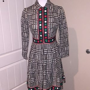 Vintage 60's houndstooth print w red/green detail